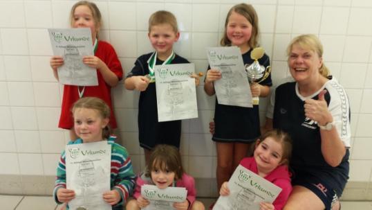 Mini-Juniorteam und Juniorteam der Freien Schwimmer erfolgreich